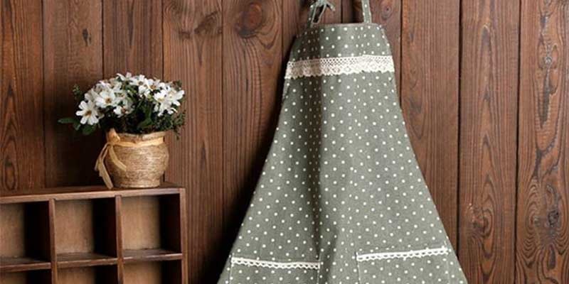 The Power of the Apron – An Icon from the Past